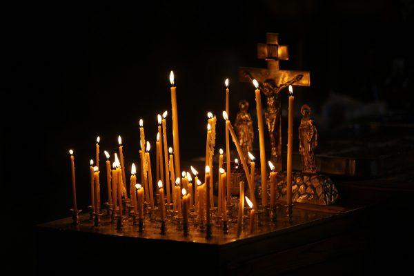 Завтра во всех храмах Русской Церкви будут совершены панихиды по жертвам авиакатастрофы