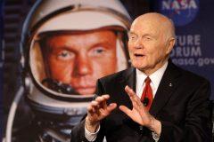 Умер первый американский астронавт, совершивший орбитальный полет