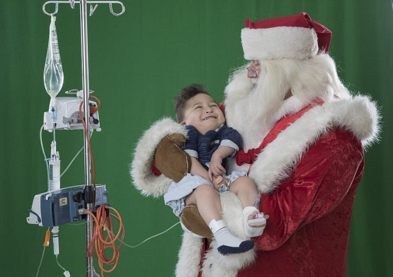 sick-children-christmas-wish-project-karen-alsop-6