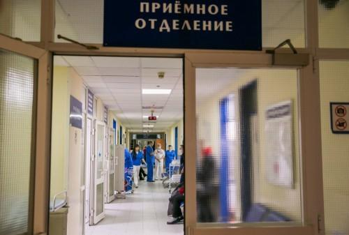 Священники дежурят в часовне при больнице, где находятся пострадавшие в ДТП