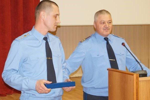 Сотрудник ФСБ спас в Приморье шестерых детей из горящих яслей