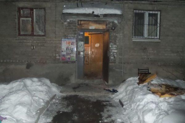 В Екатеринбурге мужчина вытащил из пожара соседского ребенка