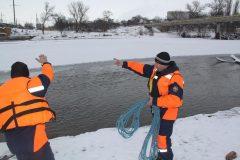 Прохожие спасли колясочника, упавшего в реку в Невинномысске