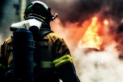 Крымчанин спас трех детей из горящего дома