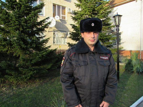 В Краснодарском крае полицейский спас ребенка, который тонул в котловане