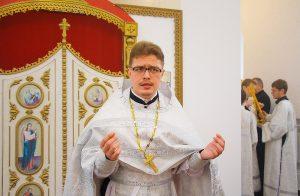 Священник Дионисий Костомаров Фото: Facebook / Denis Kostomarov