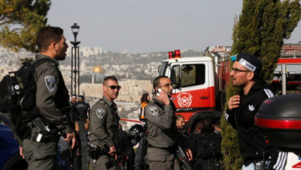 Теракт в Иерусалиме: Грузовик наехал на группу людей