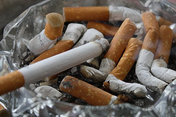 В РФ хотят запретить реализацию табака родившимся после 2014 года
