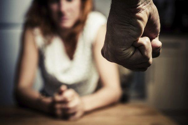 В России могут появиться кризисные центры для мужчин, избивающих жен