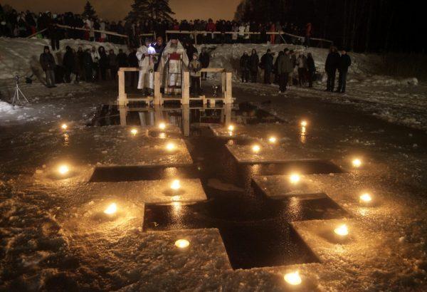 В крещенских купаниях в России приняли участие более 1,8 млн человек