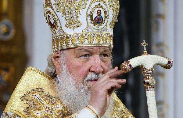 Патриарх призвал настоятелей перечислить средства больнице вместо покупки цветов к Рождеству