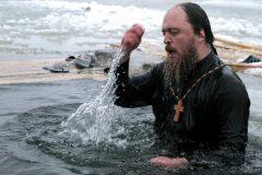 Зачем мы выныриваем: 7 актуальных фраз о купании в проруби