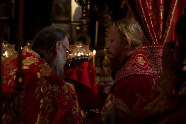 Праздничная служба в монастыре Дохиар