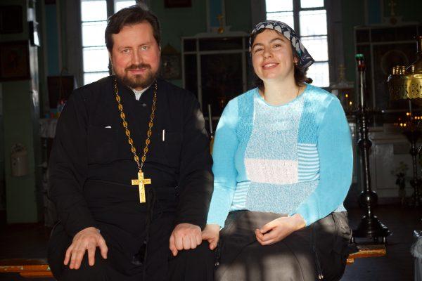 Отец Александр с женой. Фото: Андрей Петров