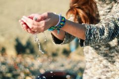 Крещение, Достоевский и девочка с фенечками