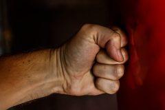 Законопроект о декриминализации домашнего насилия принят в первом чтении