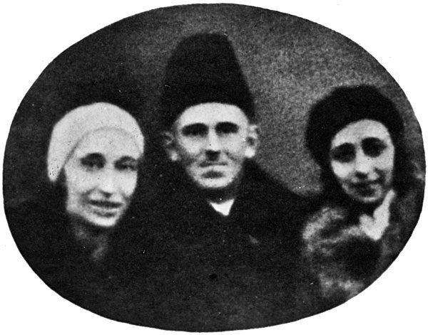 Н. Мандельштам (cлева), О. Мандельштам, Э. Гурвич