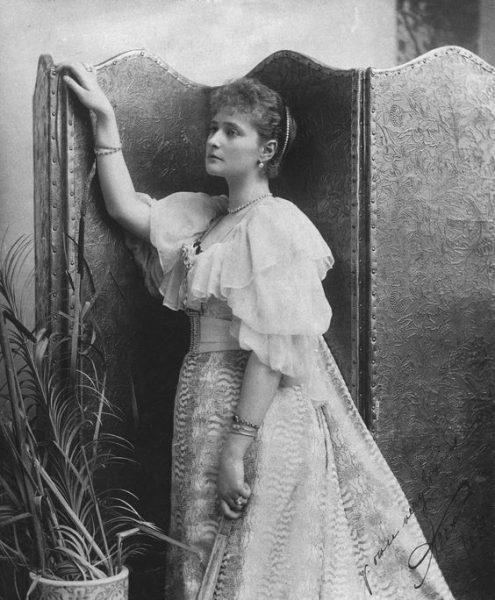 Принцесса Алиса Гессенская( будущая императрица Александра Фёдоровна). 1894 г