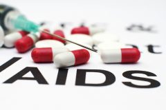 Росздравнадзор: в 20 регионах выявлена нехватка лекарств для людей с ВИЧ