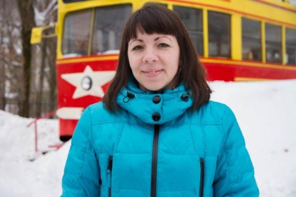 Вагоновожатую наградили за спасение женщины от собак в Перми