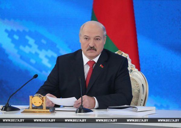 Лукашенко выступил против религиозного образования в школе