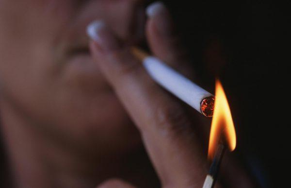 На жительницу Белгорода завели дело за курение в храме