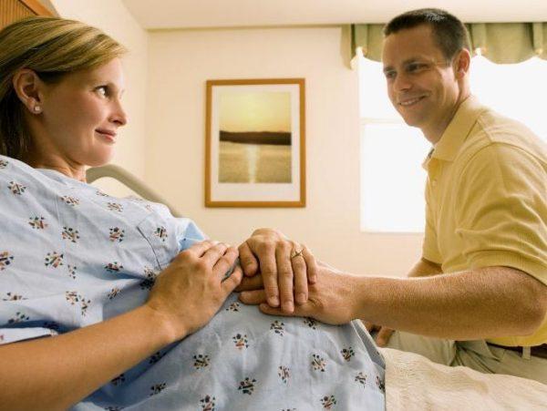 Социологи объяснили причины позднего материнства в России