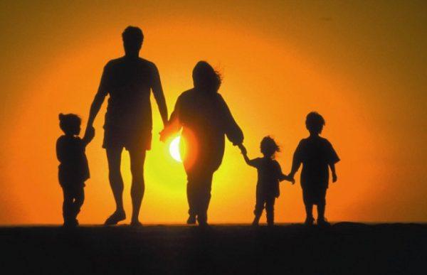 В Петербурге проверят большие семьи с приемными детьми