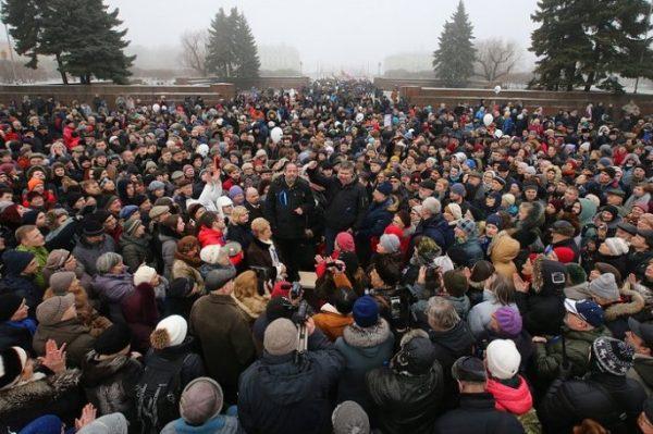 На депутатов, участвующих в акции против передачи Исаакия РПЦ, пожаловались в прокуратуру