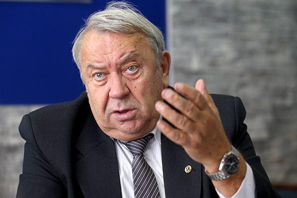 Президент РАН: мы будем настаивать на признании гомеопатии лженаукой