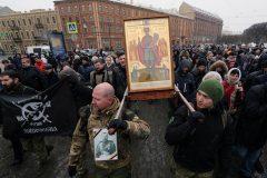 Крестный ход вокруг Исаакиевского собора собрал около 8 тысяч человек