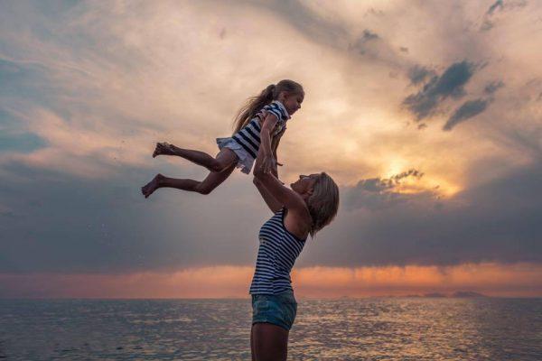 Надежда с дочкой