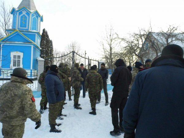 «Киевский патриархат» захватил храм в Тернопольской области – УПЦ