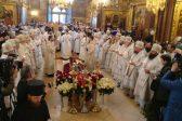 Патриарх Кирилл отпевает архимандрита Кирилла (Павлова)