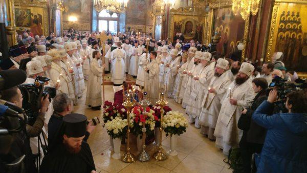 Патриарх Кирилл совершил отпевание архимандрита Кирилла