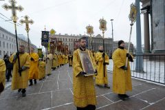 Два крестных хода объединят верующих у Исаакиевского собора