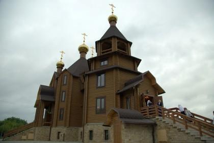 Благовещенский храм до разрушения. Сайт Горловской епархии