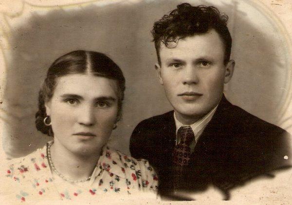 Дед и две молодых фото 12-266