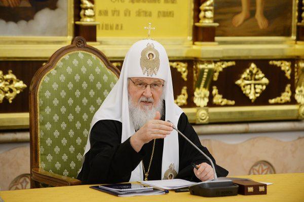 Патриарх Кирилл: классическая литература должна вернуться в жизнь молодежи