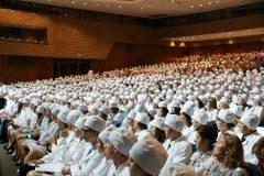 Треть россиян хотят, чтобы их дети стали врачами (опрос)