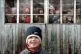 Россияне сочли наркоманию и бедность основными причинами сиротства (опрос)
