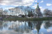 Купола и крест водрузили на строящийся в Страсбурге русский храм