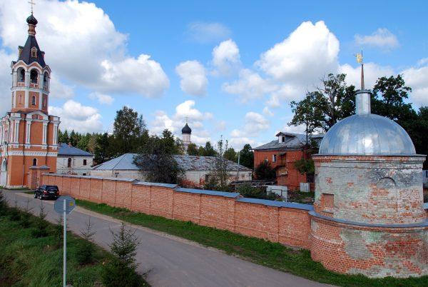 Четыре здания перешли в собственность подмосковной Зосимовой пустыни