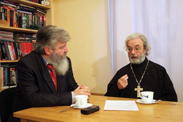 Владимир Лавров и протоиерей Александр Ильяшенко