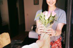 Букет на 8 Марта – любимой, а не Кларе Цеткин