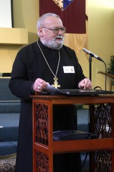 Священник Джордж Морелли