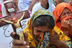 Масштаб гонений на христиан в мире стал угрожающим, считают в МИД