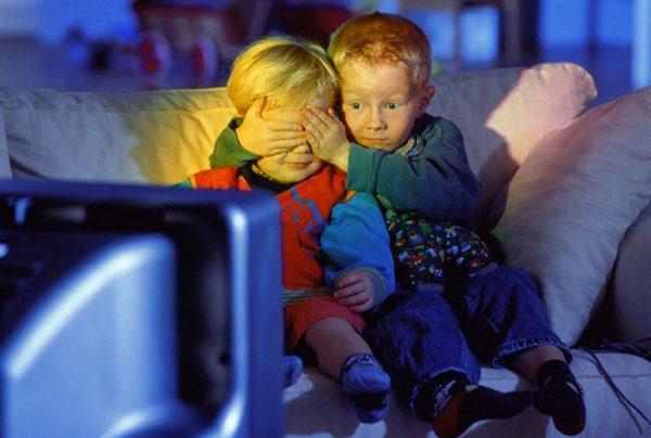 СК пожурил телеканалы за эксплуатацию образа ребенка – жертвы преступления