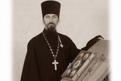 Горящий храм на Ильинке спас священник из Сергиева Посада