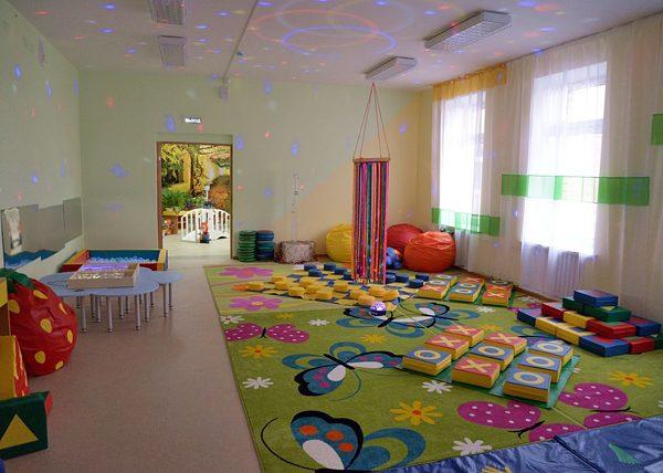 Воспитатели детского сада под Красноярском кололи детей гвоздиками